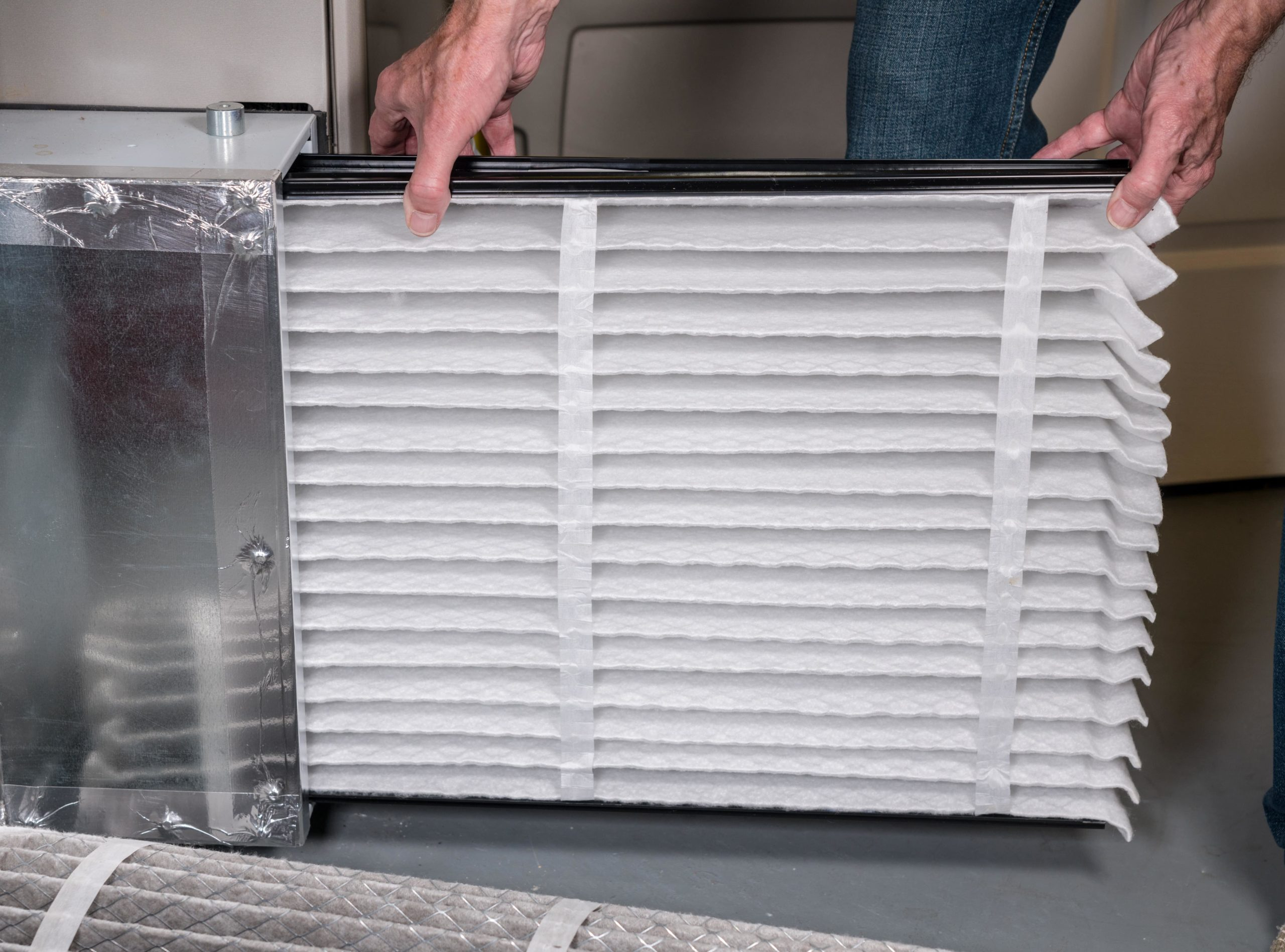 What are the signs of mold in HVAC air ducts?